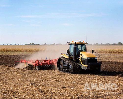 Гусеничный трактор Challenger MT800E