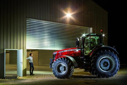 Трактор Massey Ferguson MF 8700S