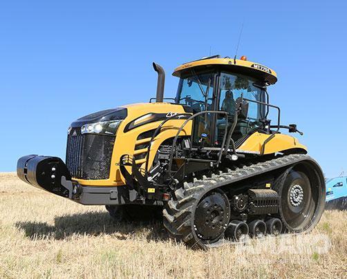 Гусеничный трактор Challenger MT700E