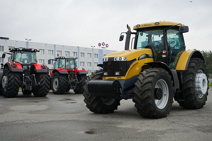 MT685C трактор Challenger фото