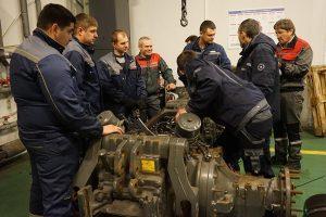 учения по ремонту трансмиссии и гидраввлики для сервисных инженеров АМАКО фото