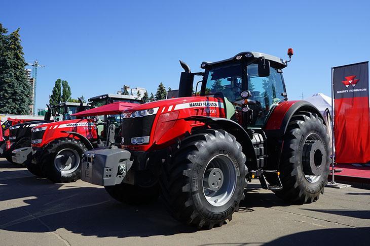 трактора Massey Ferguson на АГРО-2018 фото