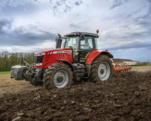 Минулого тижня, на базі одного з господарств Херсонської області, команда АМАКО провела демонстрацію трактора MASSEY FERGUSON MF 7722 потужністю 220 к.с.