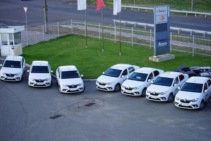 """парк сервісних автомобілів компанії """"АМАКО Україна"""" поповнився 8 новими моделями Renault Logan"""