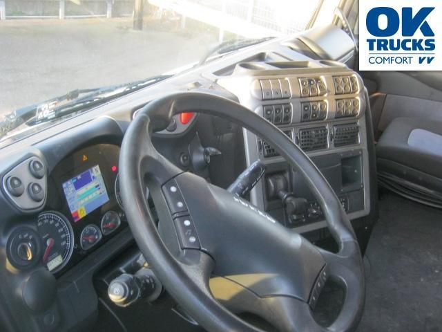 Седельний тягач Iveco Stralis AS440S46T/PE