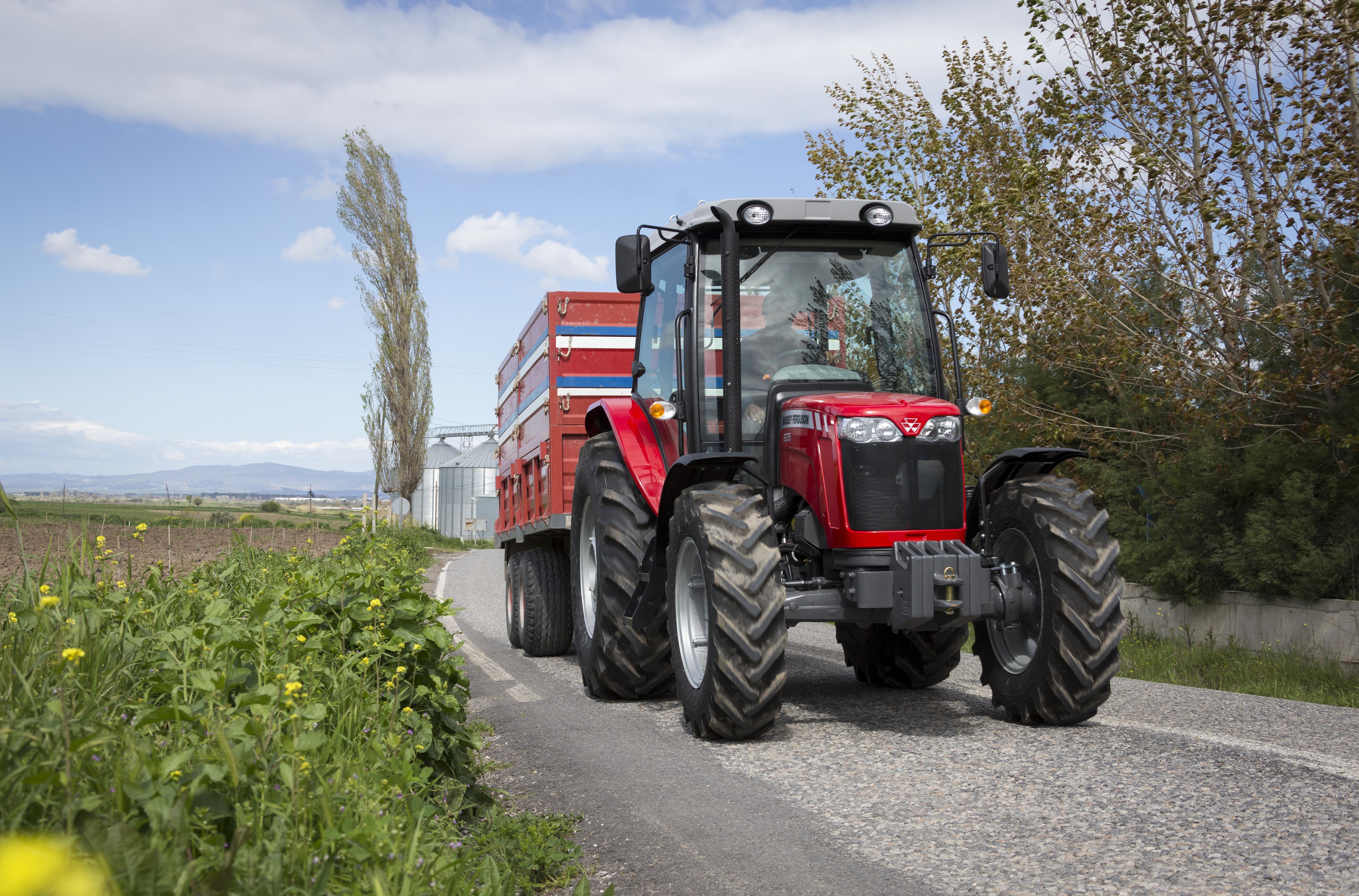 Трактор Massey Ferguson MF 2600