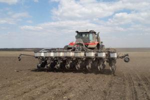 Трактор MF7722S + Precision Planting сеялка