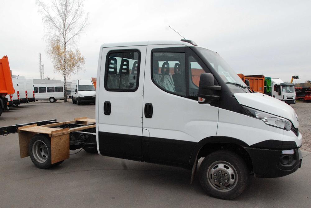 Шасси грузового автомобиля IVECO Daily 35C15D, двойная кабина