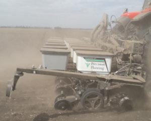 Precision Planting сеялка во время посева демо-полигона